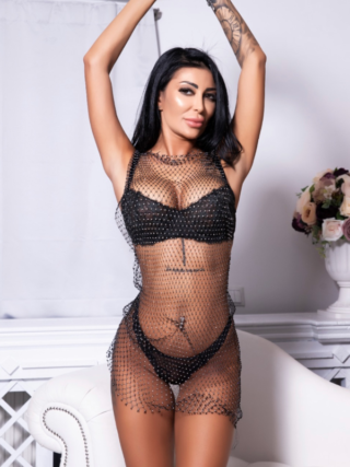 Denise, 25 years old Romanian escort in London, United Kingdom