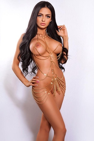 Bonita, 20 years old Romanian escort in London