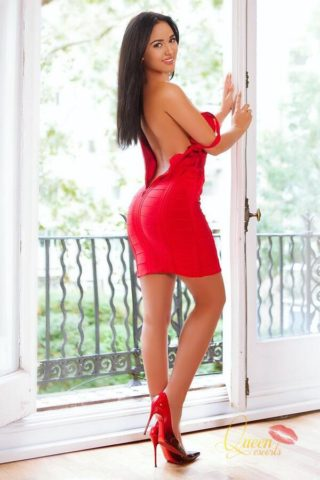 Alice, 20 years old Romanian escort in London